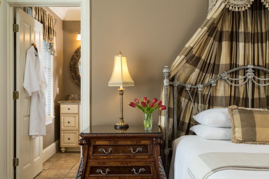 romantic room in Savannah hotel