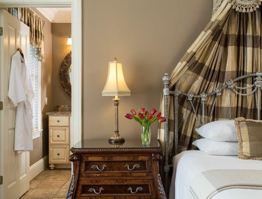 Lafayette Square Room
