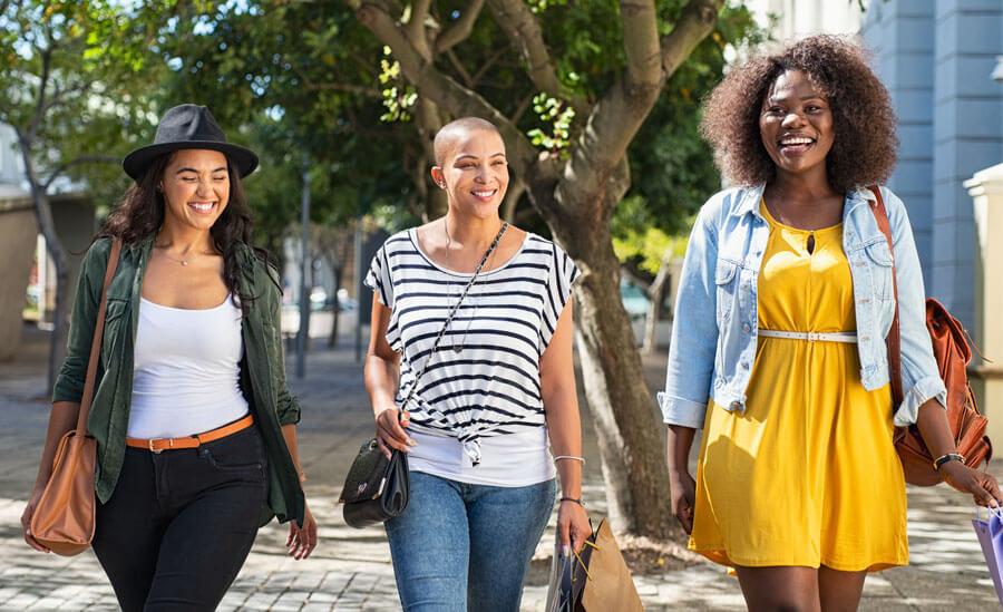 Women on shopping trip in Savannah